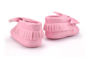 Fashion New Design Soft Leather Toddler Infant Shoes pictures & photos