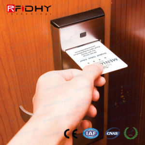 Tk4100 RFID Smart Hotel Key Card for Door Access Control pictures & photos