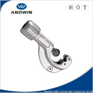 Pipe Cutter/Tube Cutter/ Hand Tool/Cutting Tool pictures & photos