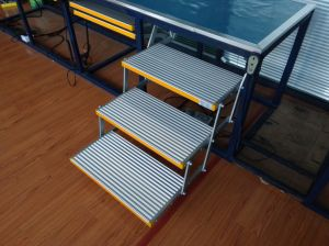 Electric Folding Ladder for Caravan with CE Certificate pictures & photos