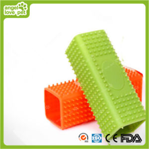 Pet Hair Removal Comb Pet Grooming Product pictures & photos
