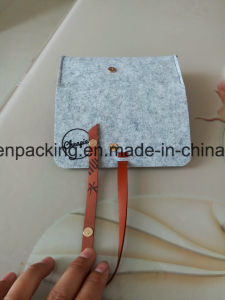 Custom Felt Bag/Case for Eyeglasses /Sunglasses with Magnetic/ Laser Logo (F1) pictures & photos