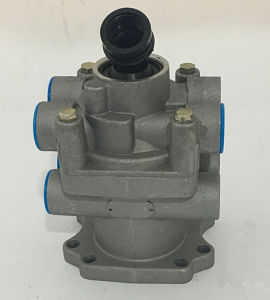 Hv-B28 Foot Brake Valve for Truck and Tralier (MB4694) pictures & photos