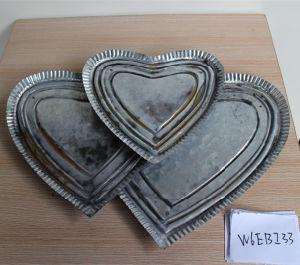 Antique Iron Heart Shape Metal Dish Candy Fruit Plate