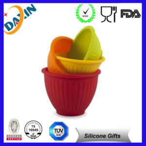2015 Hot Portable Collapsible Dog Silicone Pet Bowl pictures & photos