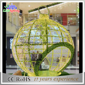 Holiday Lighting Gaint LED Christmas Balls Light Garden Decoration pictures & photos