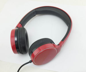 New Arrival Fashion Headphone Colorful with in Line Microphone pictures & photos