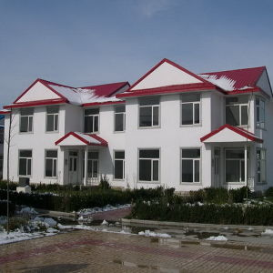 Economical Light Steel Prefab Home with Sandwich Panel pictures & photos