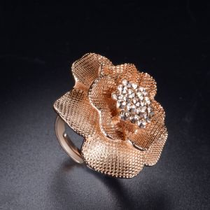 Yellow Flower Custom Imitation Diamond Women′s Ring for Valentine′s Day pictures & photos