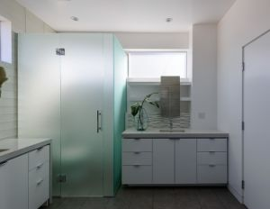 Toughened Glass Frosted Bathroom Doors with AS/NZS2208: 1996, BS6206, En12150 Certificate pictures & photos