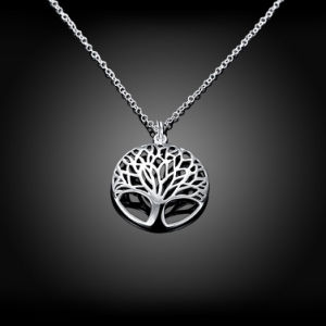 Euramerican Fashion Tree Shape Carved Pendant Necklace Round Pendant Simple Women Jewelry pictures & photos