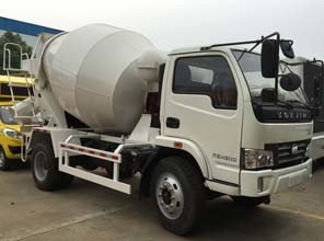 Mini Concrete Mixer Truck pictures & photos