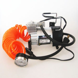 DC12V 150psi Car Mini Compressor Air Pump pictures & photos