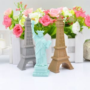 USB Flash Drive Wholesale Cartoon Eiffel Tower USB Disk Statue of Liberty Pendrives USB Memory Card Flash Card Thumb Drive USB Stick pictures & photos