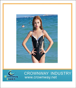 Anti-UV Breathable One-Piece Swimming Wear for Girl pictures & photos
