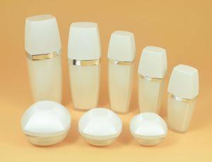 Lace Shape Cosmetic Empty Lotion Pump Bottle pictures & photos