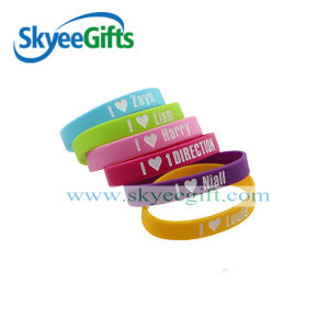 Custom Silicone Bracelet Debossed Silicone Wristband with Logo pictures & photos