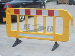Plastic Road Portable Crowd Control Barrier pictures & photos