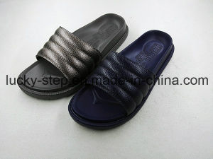 Comfortable PU Slipper for Man and Woman pictures & photos