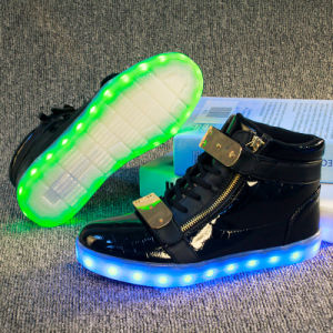Factory Wholesale Mens Shoes 2017 Classic LED Shoes Men pictures & photos