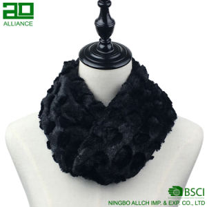 Custom Winter Cozy Faux Fur Infinity Scarf pictures & photos