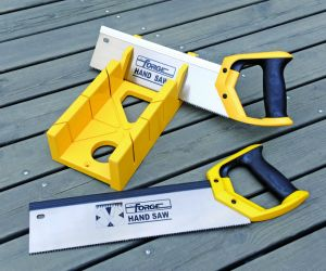 """High Quality 65mn Steel 26"""" Hand Saw with Nylon Cover for Woodworking pictures & photos"""