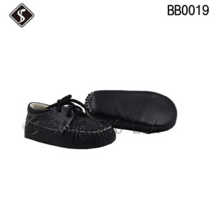 Black Leather Upper Best Quality Babies Shoes and Toddler Infant Shoes pictures & photos