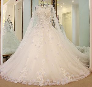 Detachable Wedding Bridal Gown Beads Feather Lace Wedding Dress Zy04 pictures & photos