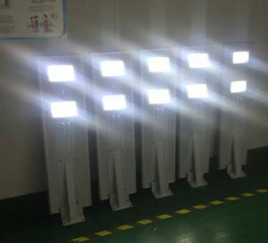 Installation by Screws Lighting 8m Height 50W LED Solar Street Light pictures & photos