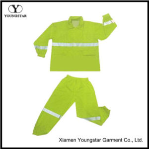 PVC/Polyester Waterproof Safety Reflective Raincoat pictures & photos