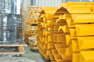 Swamp Track Shoes for Caterpillar Komatsu Dozer Undercarriage Spare Parts pictures & photos