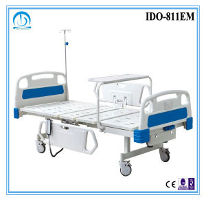 ISO Ce Approved Manual Hospital Bed pictures & photos