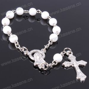Christian Colorful Plastic Beads Saint Medal Rosary Bracelet pictures & photos