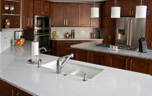 White Polished Quartz Countertop for Kitchen/Bathroom/Hotel/Commercial pictures & photos