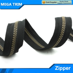 5# Bronze Teeth Resin Zipper pictures & photos