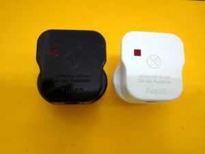 Bsi Approved UK 13A Plug Adaptor with Fuse pictures & photos