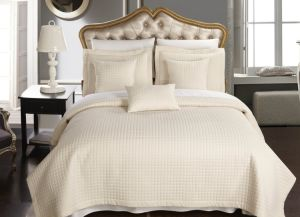 High Quality Luxury Checkered Quilt for Hotel /Home Coverlet (DPF10799) pictures & photos