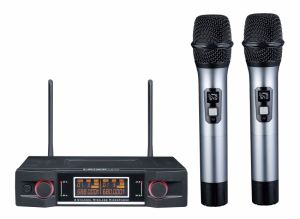 Ls-P3 High Quality Dual Channels UHF Wireless Microphone pictures & photos