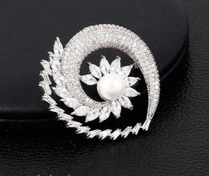00056 Fashion Luxury Jewelry Rhodium Pearl Brooch for Wedding pictures & photos