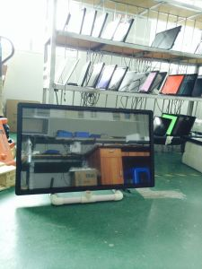 43 Inch Android Wireless WiFi Network LCD Advertising Player Touch Screen pictures & photos