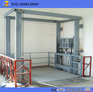 China Tavol Electric Hydraulic Indoor or Outdoor Usage Cargo Lift pictures & photos