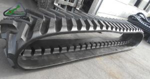 """30""""*7""""*54 762*178*54 Agricultural Rubber Tracks Replacement Tracks for Johndeere 8310t/8320rt/9520rt/9570rt pictures & photos"""