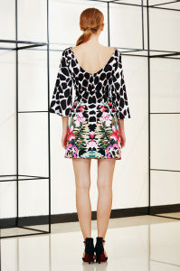 Boat Neck Bell Sleeve Leopard Print Shift Dress pictures & photos