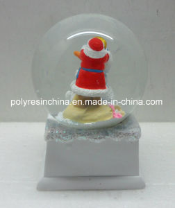 High Quality Christmas Snow Globe with Music Base pictures & photos
