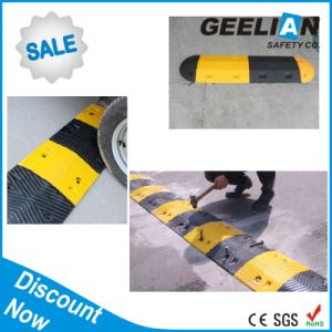 Factory Price Roadway Safety Rubber Speed Hump pictures & photos