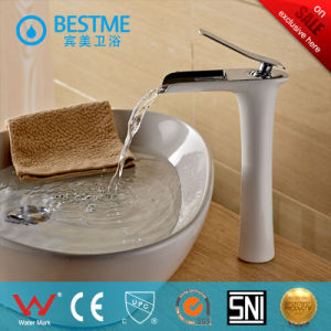 New Design Hot and Cold Basin Faucet From China (BF-B10067W) pictures & photos