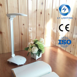 USB Modern Eye Protected LED Table Light with Ce and SGS