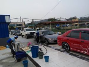Automatic Conveyorized Car Cleaning Tools/ Car Washer pictures & photos