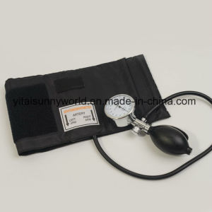 Sphygmomanometer with Stainless Steel Handle pictures & photos