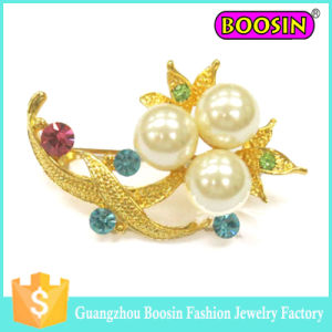 Fashion Custom Metal Gold Flower Bouquet Pearl Brooch for Wedding pictures & photos